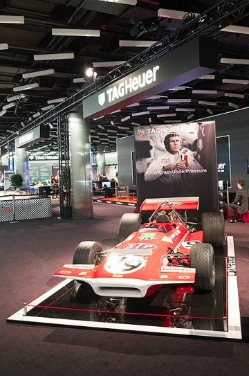 TAG Heuer exhibition mixed watches and cars – always a winning combination