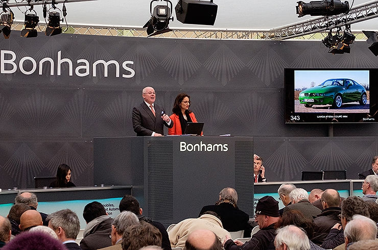 Ever-cheerful auctioneer James Knight once again at the rostrum