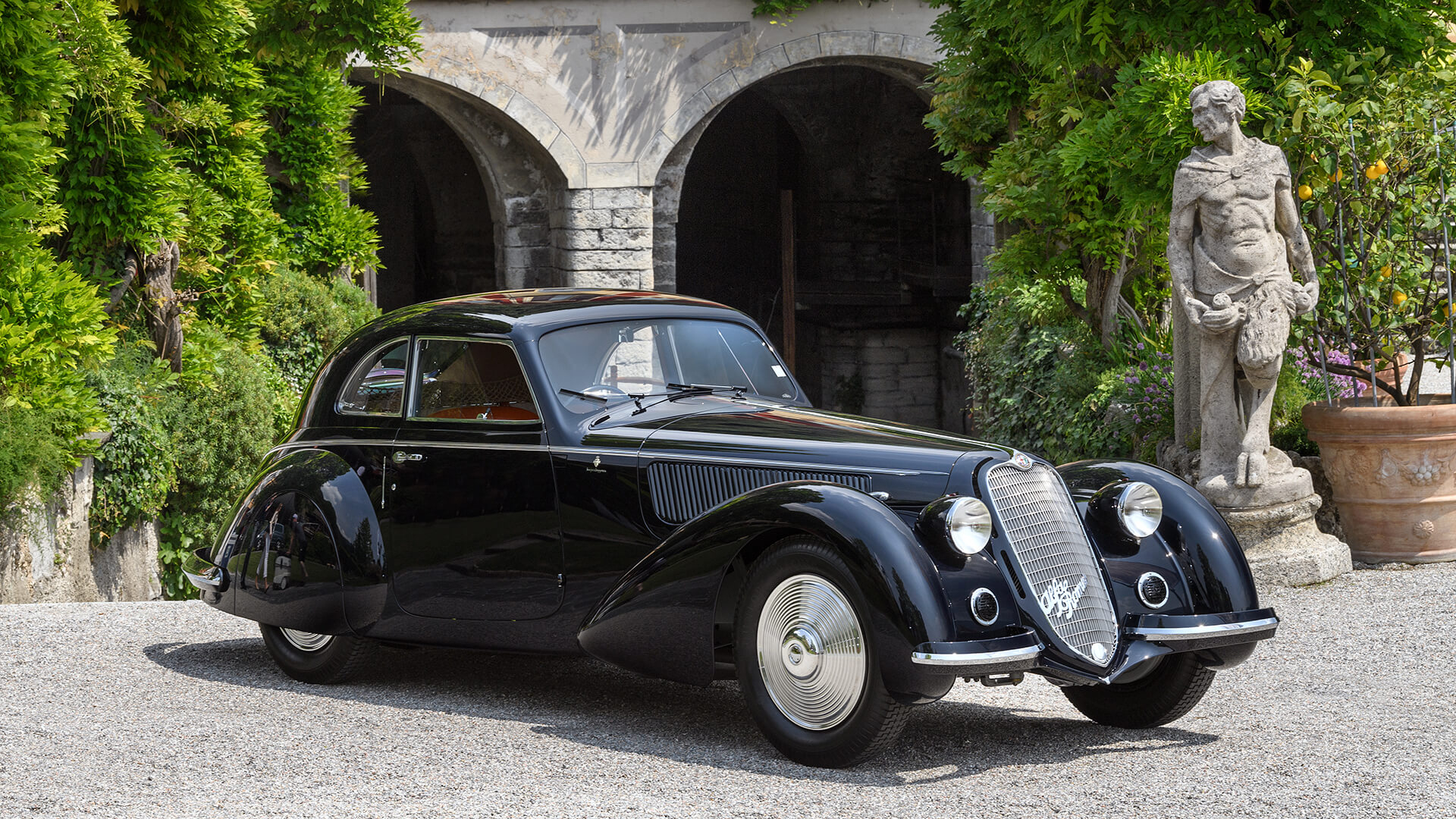 1937 Alfa Romeo 8C 2900B Touring Berlinetta wins the Coppa d'Oro at Villa d'Este