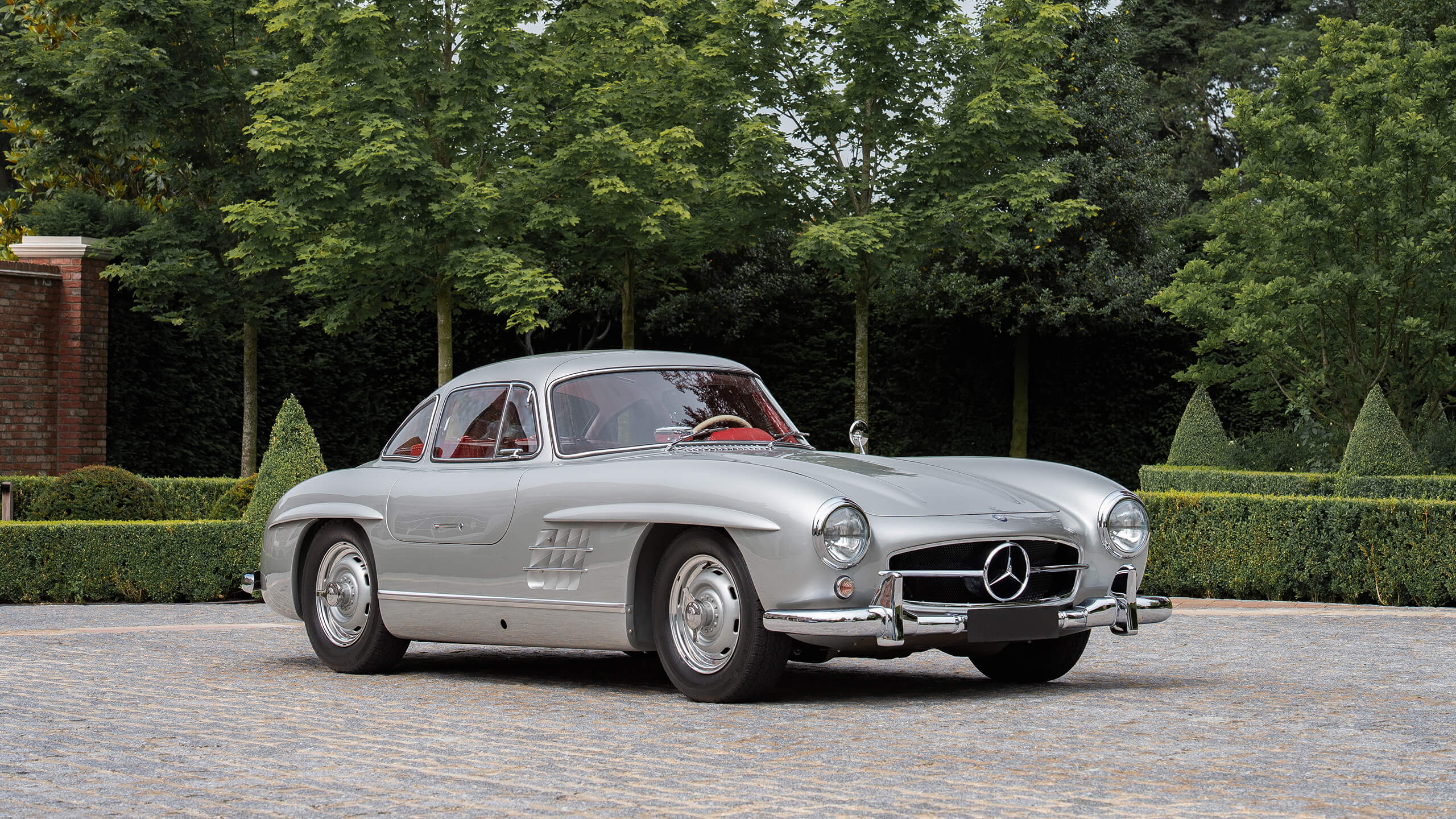 Style guru Stephen Bayley talks about the Mercedes-Benz 300 SL