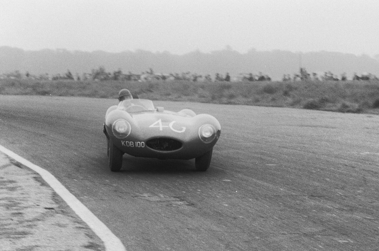Peter and his famous red D-type XKD 518 absolutely flat out at Snetterton in 1956 (Revs Institute)